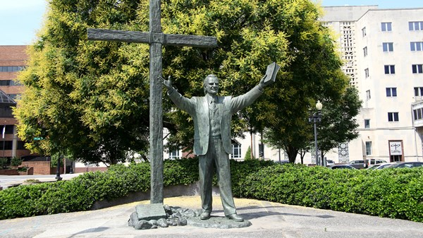 A Tale of Two Billy Graham Statues