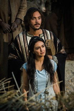 Jack Huston and Nazanin Boniadi in 'Ben-Hur'