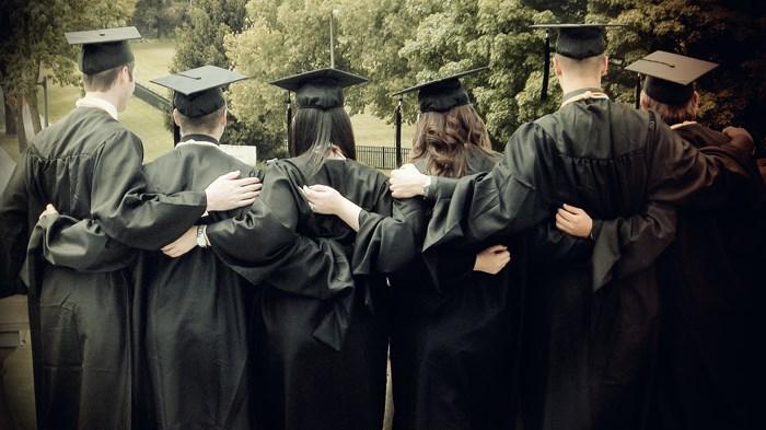 El primero en mi familia que se graduó de la universidad