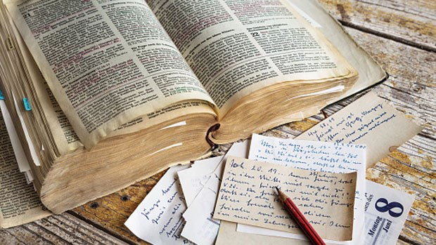 10 Tips to Start Memorizing Scripture | Christian Bible Studies