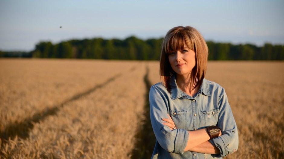 Ann Voskamp: We Must Trade Charity for Solidarity