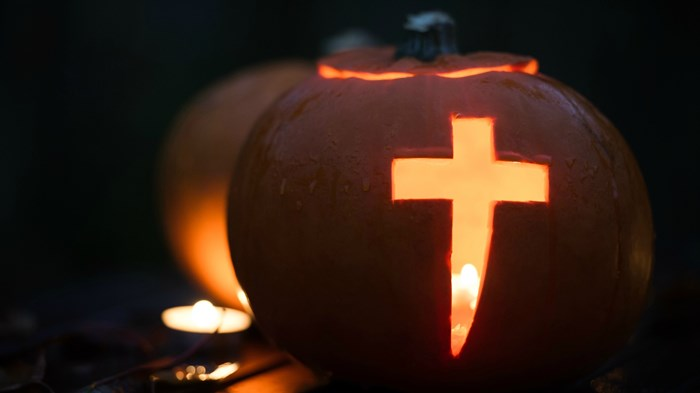 Trick or Treat or Tracts: 1 in 3 Evangelical Pastors Want Gospel Given on Halloween