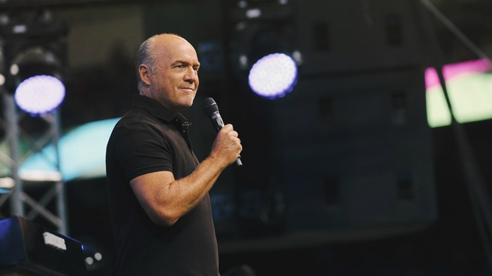 Greg Laurie, Calvary Chapel's Big Crusader, Joins Southern Baptist Convention