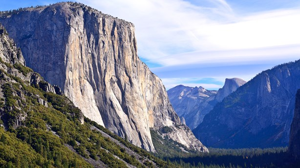 31-Year-Old Climber Completes Solo, Gear-Free Summit of Yosemite's El Capitan