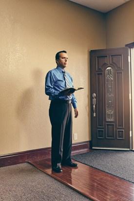 Wilmington, California, el pastor Eliud Cortés ayudó a su congregación a lanzar un instituto bíblico en su ciudad natal Michoacán, México.