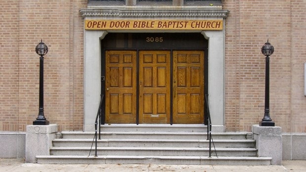 Is A Successful Small Church An Oxymoron?