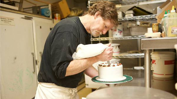 Icing on the Cake: Justice Dept. Backs Christian Baker Bound for Supreme Court