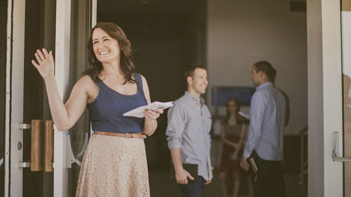 Survey: Being a Pastor's Wife Is Good for Faith, Bad for Friendship