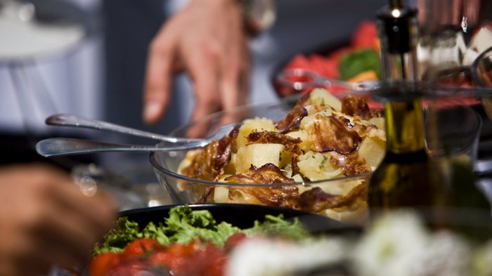 3 Tips for Hosting an Outstanding Church Dinner or Potluck