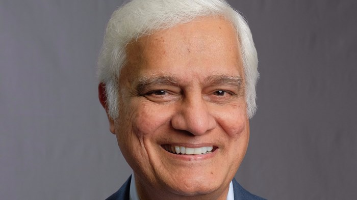 Ravi Zacharias Responds to Sexting Allegations, Credential