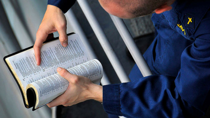 Want to Share Your Faith? Start with Words from the Bible!