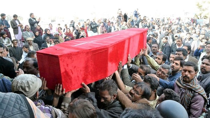 Pakistani Christians Bury 11 After ISIS Attacks Methodist Church