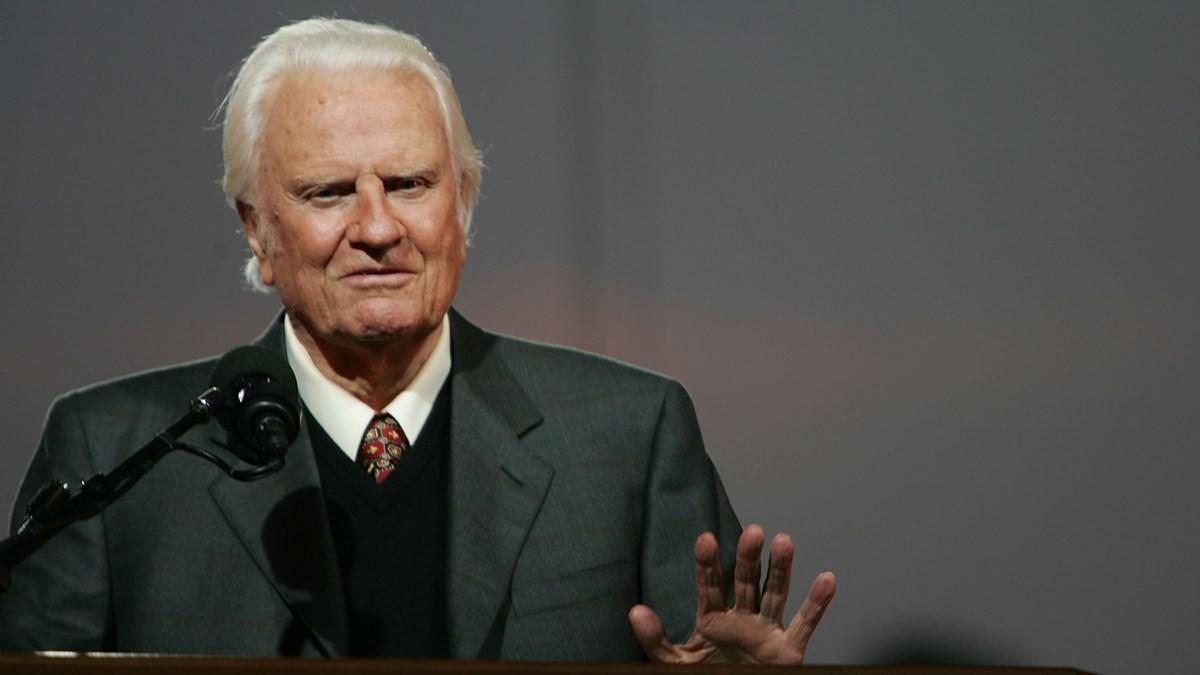 Here's How America Is Praising Its Best-Known Preacher: Bi