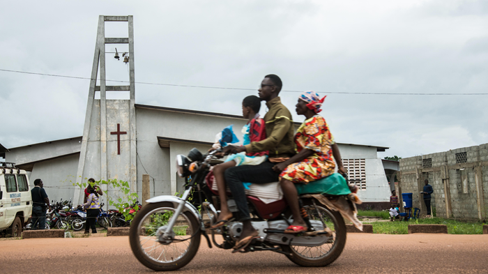 Ebola Deaths Rise As Patients Turn to Miracles Over Medicine