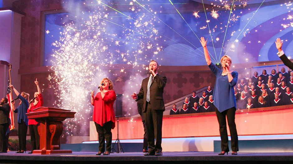 Make Worship Patriotic Again? The Top 10 Songs for Fourth of July Services