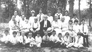 Retirees and orphans in Dowling Park, 1916
