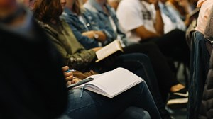 """6 Takeaways From """"The Church Growth Gap"""" LifeWay Research Survey"""