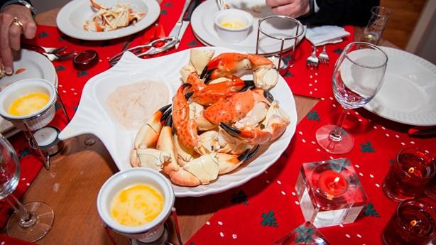 Wild Brawl at Buffet over Crab Legs