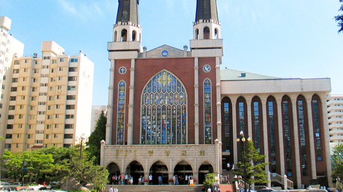 Korean Megachurches Debate If Pastors' Kids Can Inherit Pulpits