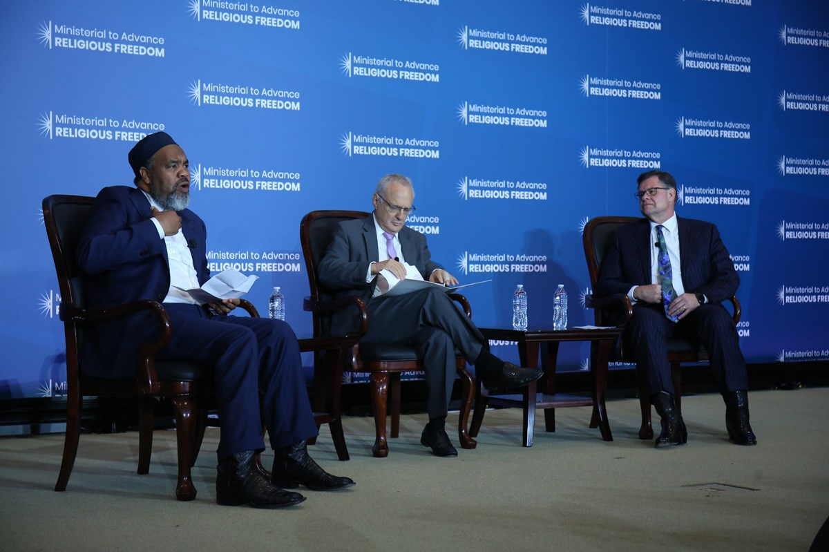 Imam Mohamed Magid (left) and pastor Bob Roberts (right) speak on a panel at the Ministerial to Advance Religious Freedom.