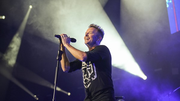 Why Chris Tomlin Still Dominates Both Radio and Sunday